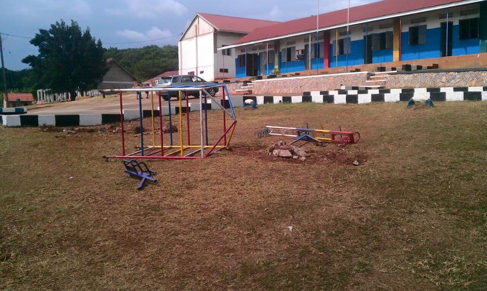 New Hope School alter Spielplatz 2016