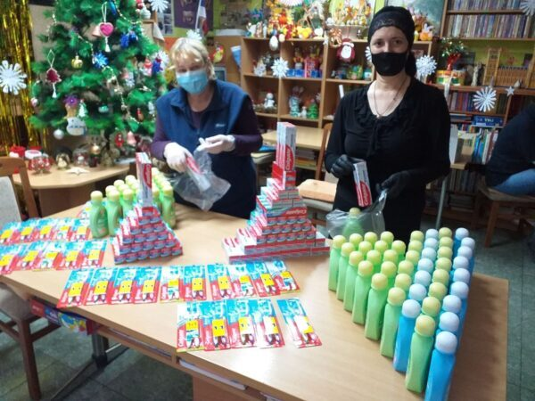 Vorbereitungen für die Weihnachtsfeier bei NADA